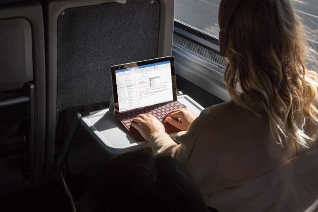 surface-go-bus