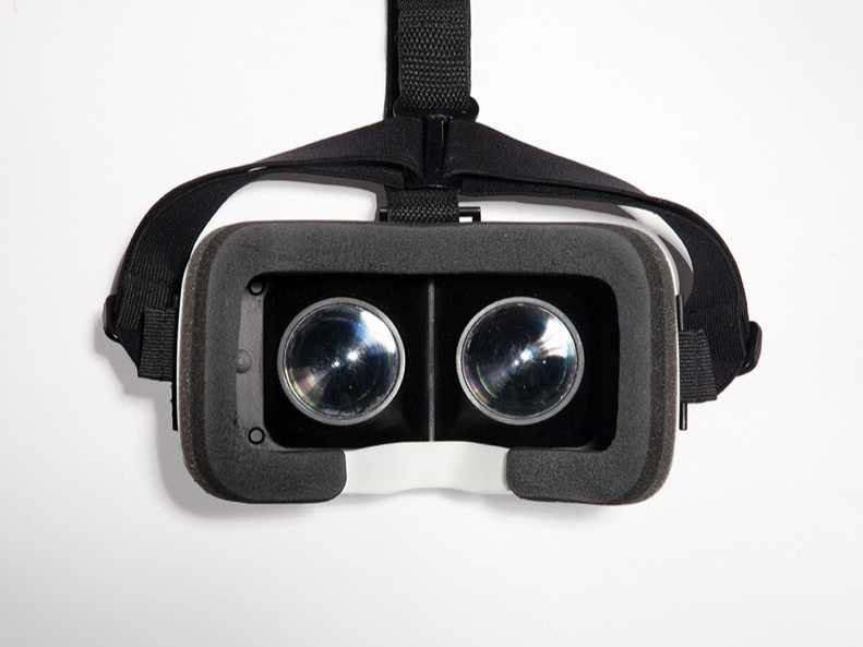Carl Zeiss VR One Satışa Çıkıyor