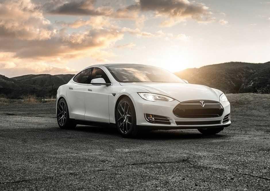 Tesla'nın Elektrikli Otomobil Fabrikası Görüntülendi