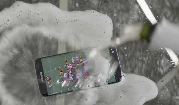 Lil Wayne'li Galaxy S7 edge Reklamı Tartışma Yarattı