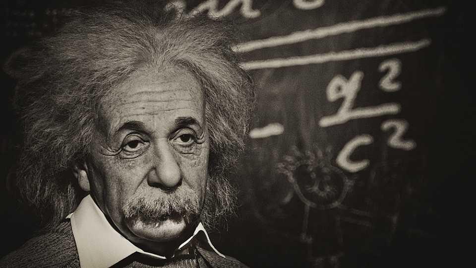 Albert Einstein ve Stephen Hawking 27 Ekim'e Kadar Zorlu PSM'de!