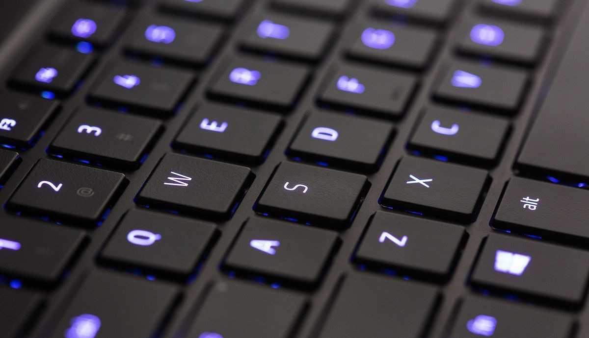 razer-blade-klavye