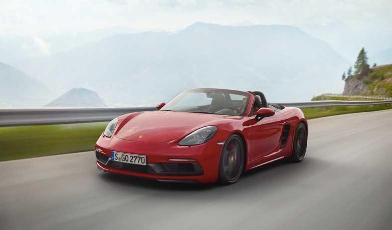 Porsche'den Daha Yüksek Performans ve Özel Donanım İki Yeni 718