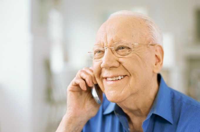 55 Yaş ve Üstü Kimseler Akıllı Telefon Kullanımında Gençleri Yakaladı