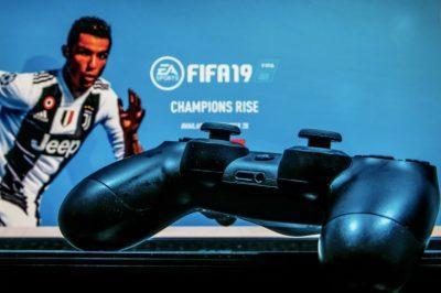 FIFA 19 469 TL'den 267 TL'ye düştü!