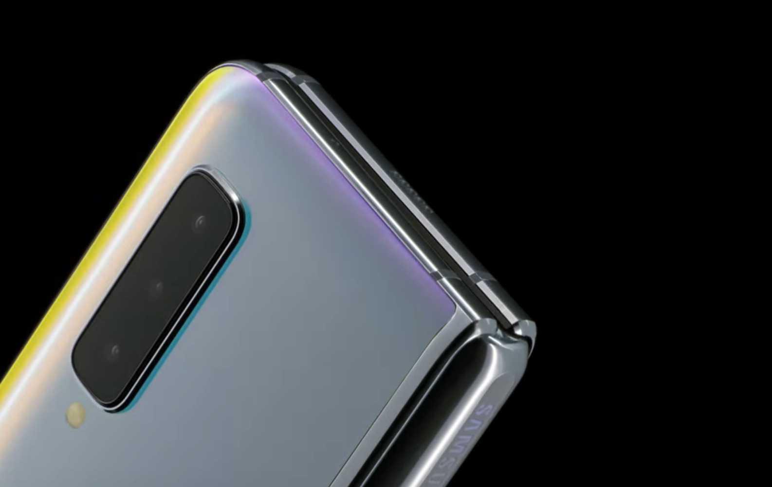 Hangisi daha iyi? Huawei Mate X mi Samsung Galaxy Fold mu?