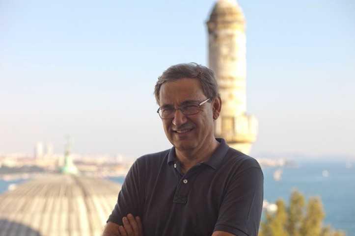 Orhan Pamuk'tan 'Balkon Fotoğraflar' Sergisi