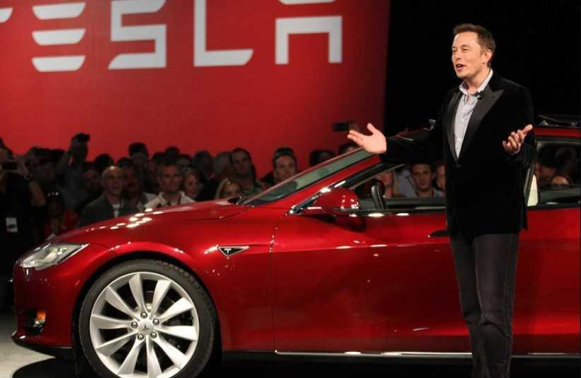 Elon Musk tweet attı Tesla 15 milyar dolar kaybetti
